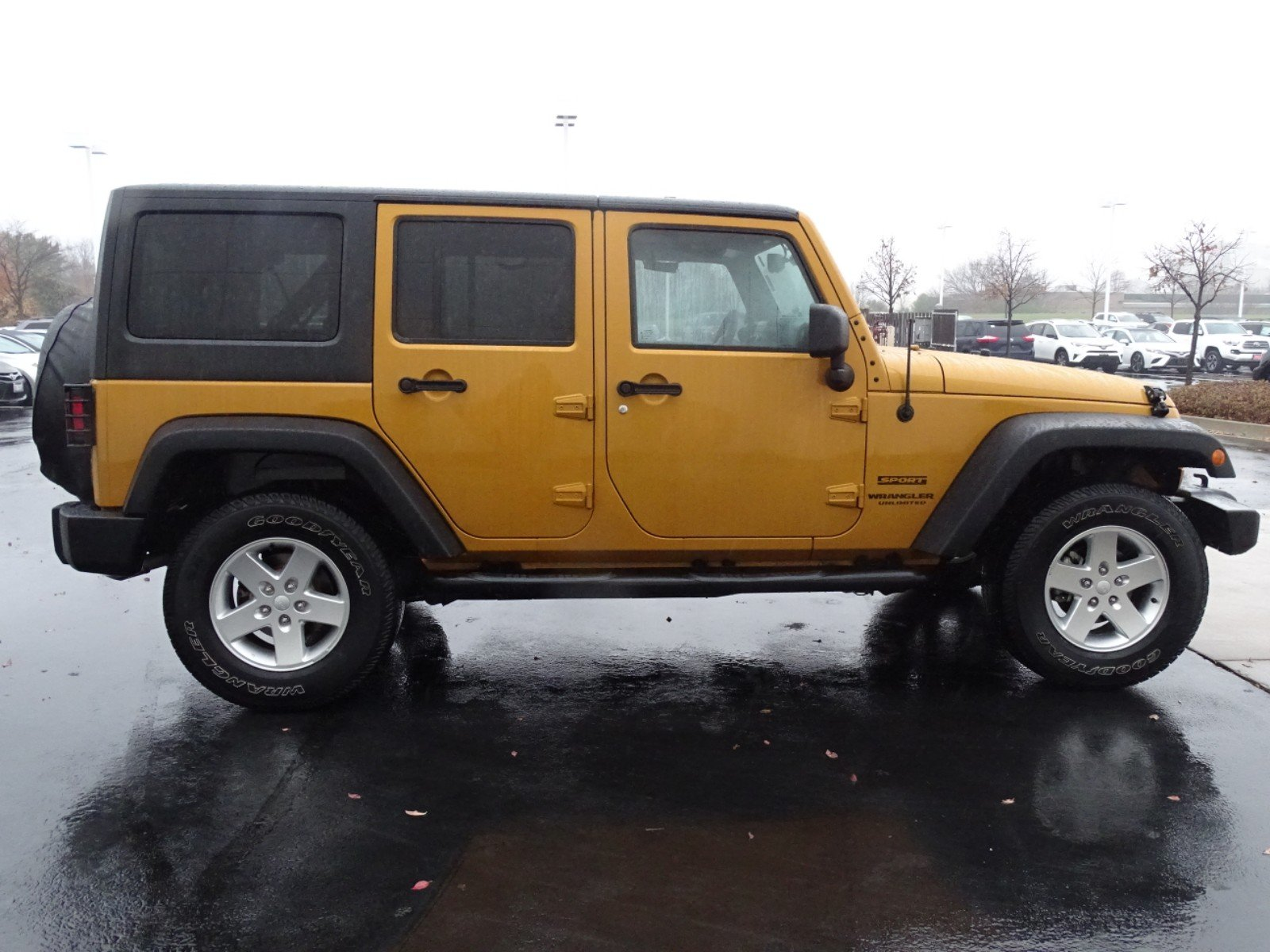 pre-owned 2014 jeep wrangler unlimited sport 4d sport utility in