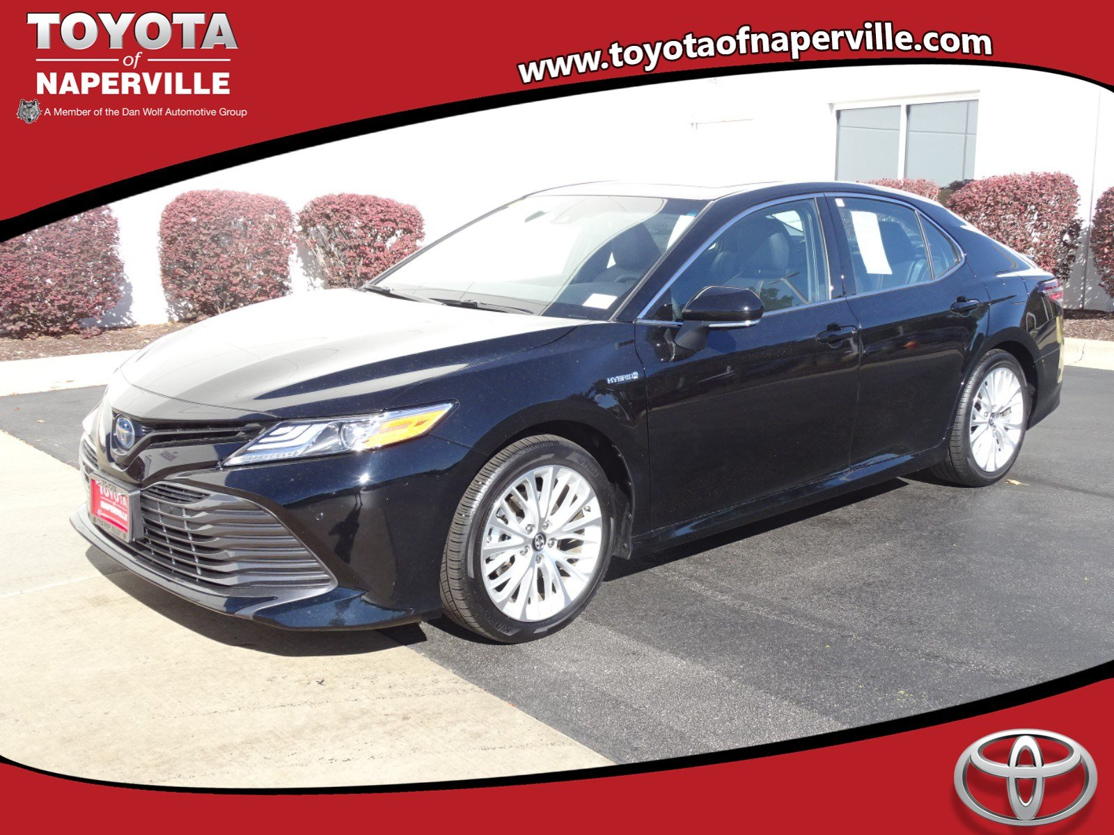 New 2018 Toyota Camry Hybrid XLE Demo
