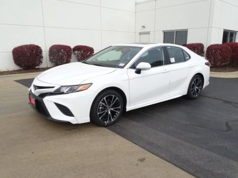 New 2019 Toyota Camry SE Demo